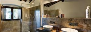 Una delle tre stanze da bagno di villa Lisidor