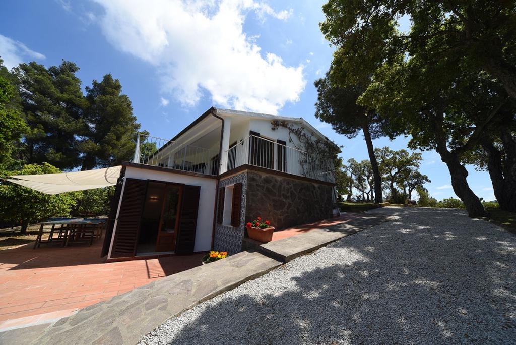 Esterno villa Enrimar
